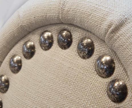 Artisan sellier spécialisé dans la réfection de fauteuils à La Rochelle